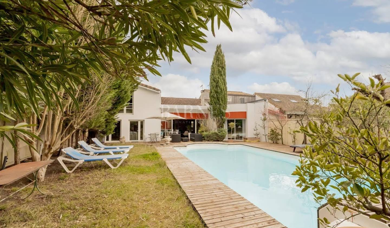 Maison avec piscine et jardin Talence