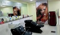 X Lounees Unisex Salon photo 2
