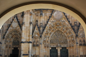 Photo: On the Prague Castle territory. Too many tourists, wasn't my favourite place.