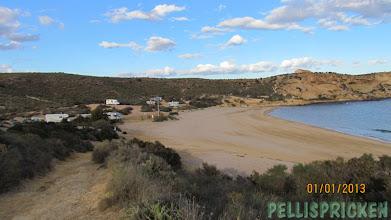 Photo: Översiktsbild på stranden där Hippiesarna fanns