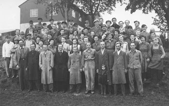 Photo: Belegschaft der Firma Erich Hecker in Wünschendorf um 1950