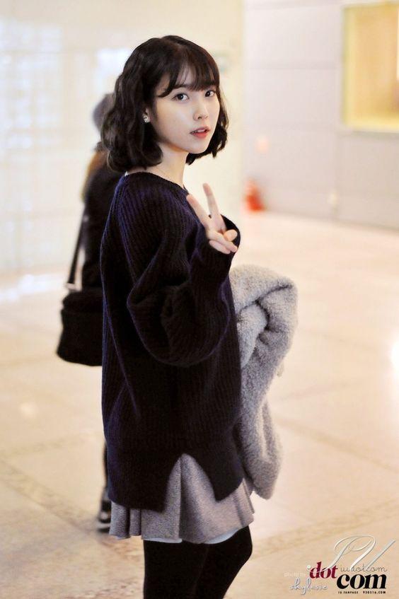 IU sweater 44