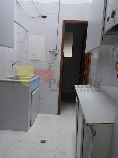 apartamento en arriendo loma benedictinos 679-14607