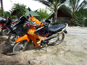 Photo: Ko Phangan motobiking around - Honda Wave 125ccm from Chai rental shop in Baan Tai, 70B (1.75EUR!) per 24hr, but not short distance lights/kilometres/speed meter working