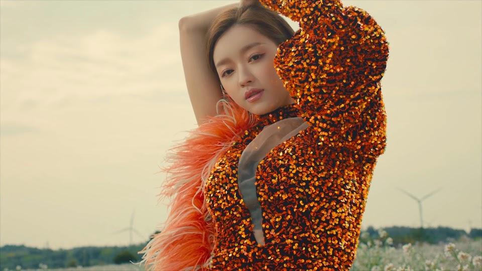 Oh_My_Girl_Dun_Dun_Dance_Yooa_6