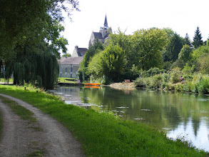 Photo: Near the end of the almost 4-1/2 mile walk, the village of Mareuil-sur-Ourcq comes into view.