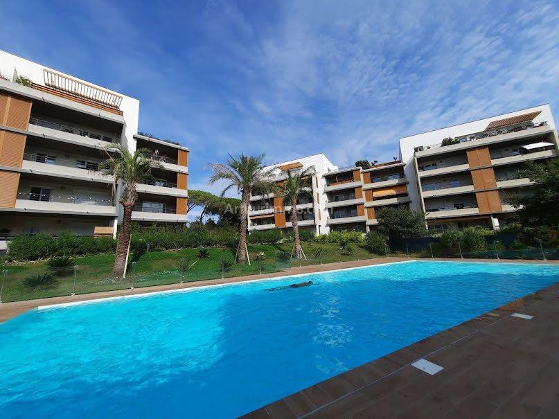 Location  appartement 2 pièces 44.69 m² à Frejus (83600), 720 €