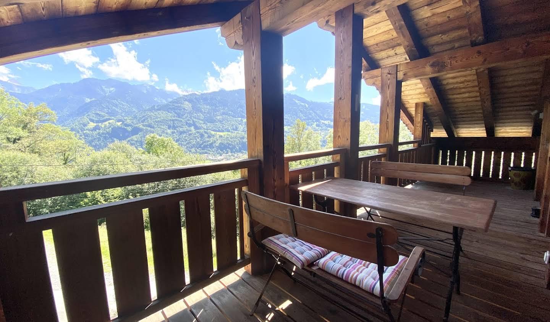 Chalet avec vue panoramique et terrasse Samoens