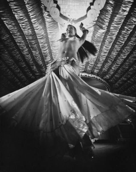 Photo: Nejla Ates is seen performing at the 'Latin Quarter' nightclub, in New York City 1953