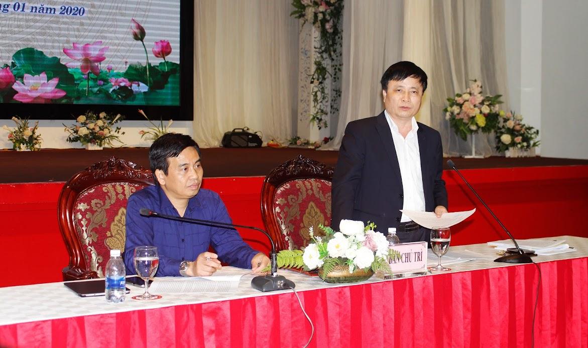 Đồng chí Bùi Đình Long, Phó Chủ tịch UBND tỉnh và Nguyễn Bá Hảo, Phó Giám đốc Sở Thông tin – Truyền thông chủ trì Hội nghị