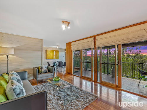 Photo of property at 2/14 Rockbeare Grove, Ivanhoe 3079