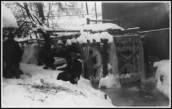 Photo: Zimowe zdjęcie młyna, prawdopodobnie z okolic Zakopanego