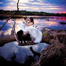 Wedding photographer Mariusz Tomaszewski (tomaszewski). Photo of 28.01.2014