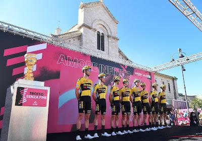"""Jumbo-Visma geeft meer uitleg bij exit in Giro: """"Ploeg was op weg naar goed resultaat"""""""