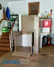 Photo: Wheelchair Lift | Vertical Platform Lift