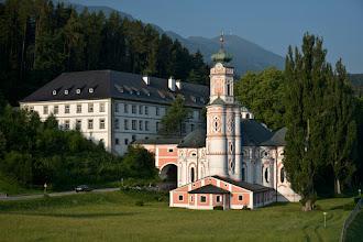 Photo: Kościół i klasztor z Serwitów w Volders
