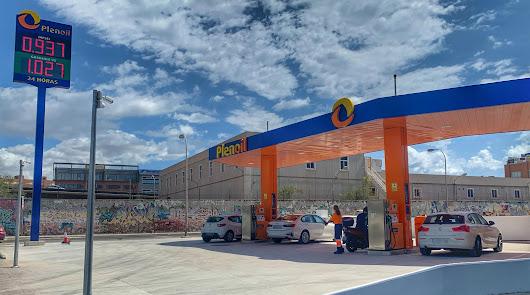 Plenoil abre nuevas gasolineras en Almería con el precio más barato