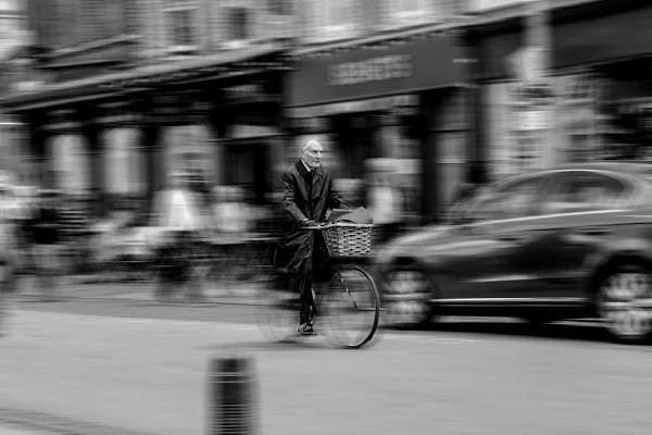 L'uomo in bici
