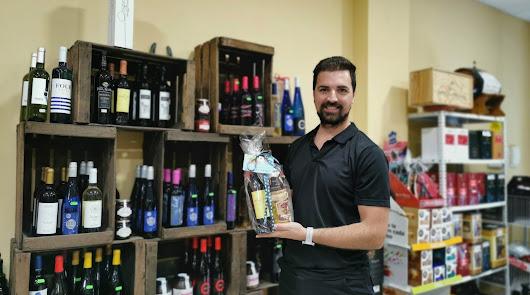 Productos gourmet locales y selección de vinos a un clic