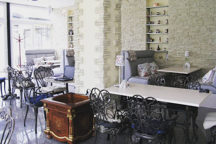 Фото №3 зала Кафе «Веранда в парке»