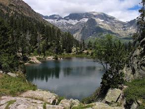 Photo: Vall d'Estós:  estany d'Escarpinosa amb Perdiguero al fons mig tapat