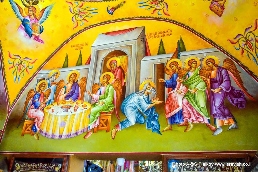 Фреска в церкви 12 апостолов в Капернауме на берегу озера Кинерет. Экскурсия по Галилее Христианской.