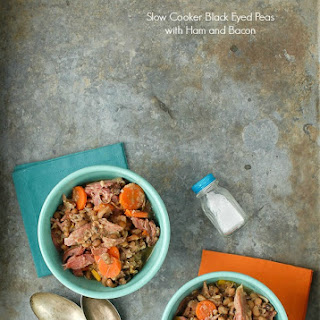 Slow Cooker Black Eyed Peas with Ham and Bacon {lucky food for the New Year!}.
