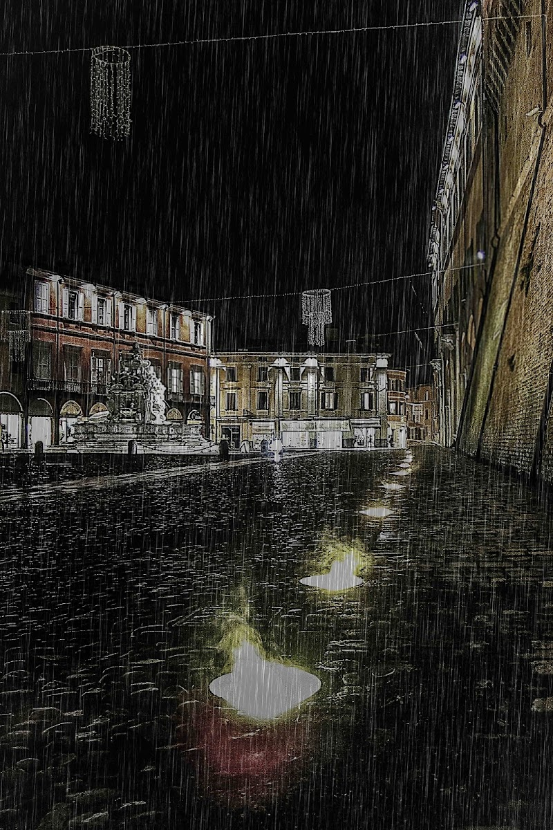 la pioggia evapora sui faretti di massimo bertozzi