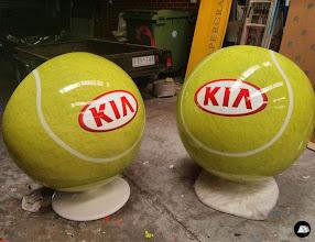Photo: KIA retro bubble chair | tennis themed wrap (4 photos) for the 2014 Australian Open #digandfish #AustralianOpen #EeroAarnio #bubblechair #customwrap #KIA