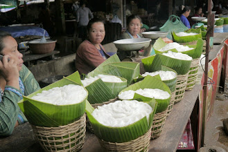 Photo: Stalls selling noodles