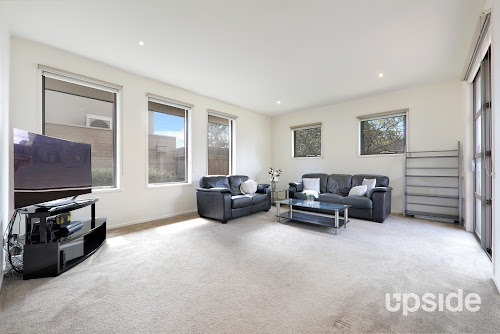 Photo of property at 2/4 Hume Court, Ashwood 3147