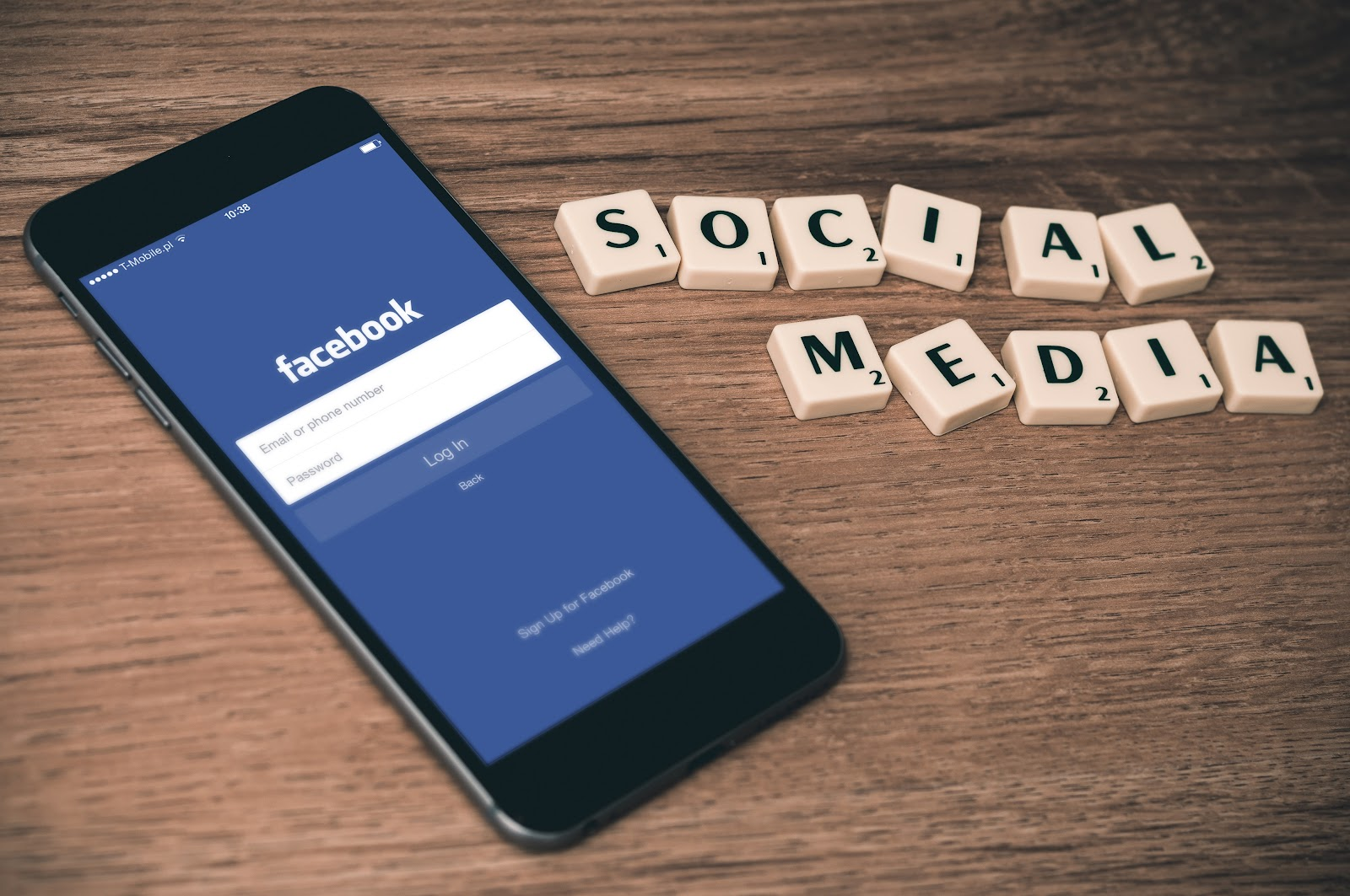 Make your announcement a social media must-read