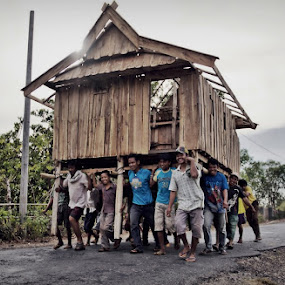 moving house by Asep Dedo - News & Events World Events