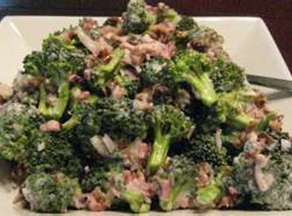 Sweet Broccoli Salad With Bacon, Sunflower Seeds And Golden Raisins Recipe