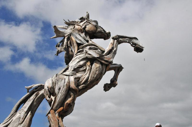 Por Amor al Arte: Las esculturas de madera a la deriva más increíbles.