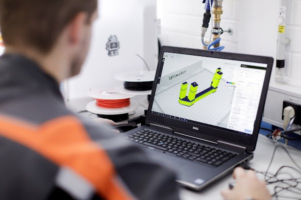 Designing parts with 3D design software