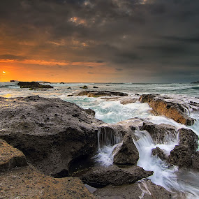 Waiting for the wave by Calvin Go - Landscapes Sunsets & Sunrises ( bali, sunset, indonesia, wave, rock, beach, mengening )