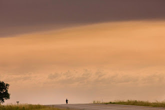 Photo: Racing the horizon. #counts