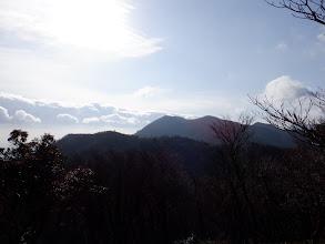 釈迦ヶ岳は遠くに