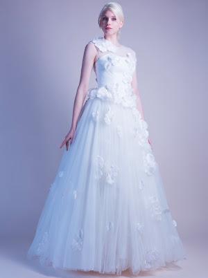 Robe de mariée fleurs Beauté
