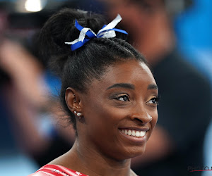 Simone Biles turnt na mentale problemen dan toch nog op de Olympische Spelen en pakt alsnog een medaille