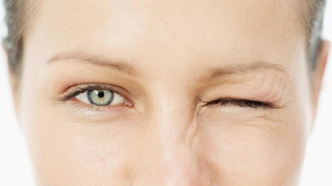 Bài tập thể dục cho mắt khỏe mạnh.