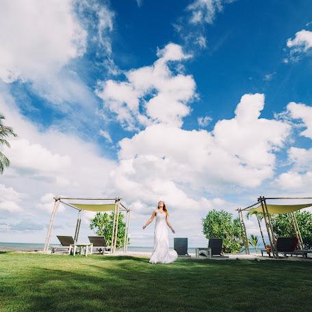 Wedding photographer Vitaliy Nikonorov (nikonorov). Photo of 04.10.2015