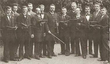 Photo: Det første kendte foto af Arbejdersangforeningen 1897