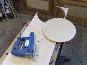 Photo: The size of the disk can be found here: http://en.wikipedia.org/wiki/Jecklin_Disk