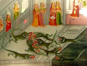 Photo: Auch (heilige) Krokodile haben Hunger.