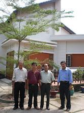 Photo: Nhân tiện ghé nhà thầy Thi ở trước trường NLSBD, xây dựng trên nền nhà cũ