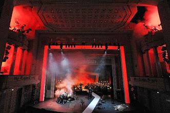 Photo: GÖTTERDÄMMERUNG in Cottbus am 30.3.2013. Zum Bericht von Dr. Klaus Billand. Der Weltenbrand, 3. Aufzug. Foto: Marlies Kross/Theater Cottbus