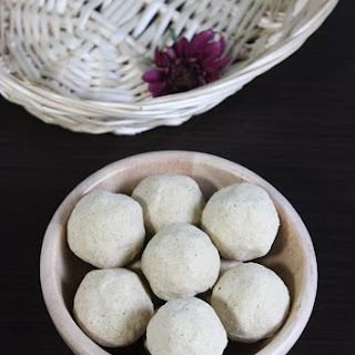 Low Fat Besan Ladoo