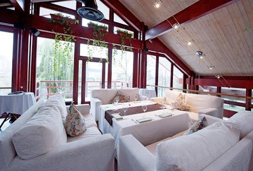 Площадка для свадьбы у воды «Lounge зал»